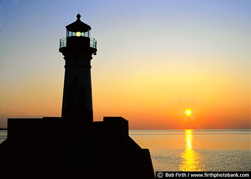 Duluth Lighthouse;beacon;biggest fresh water lake;destination;Kitchi Gammi;Lake Superior;largest freshwater lake;MN;North Shore;northern Minnesota;peaceful;pier;silhouettes;sunrise;sun;tourism