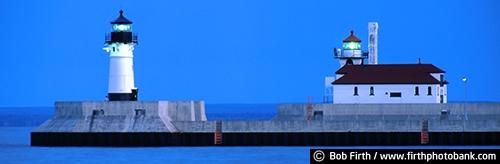 destination;beacon;biggest fresh water lake;Duluth Lighthouse;Great Lakes;Kitchi Gammi;Lake Superior;largest freshwater lake;luminated;Minnesota;MN;North Shore;pier;tourism;twilight